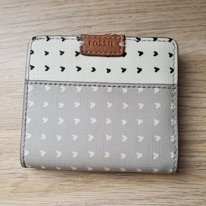 FOSSIL CUTEST WALLET WITH HEARTS PRINT